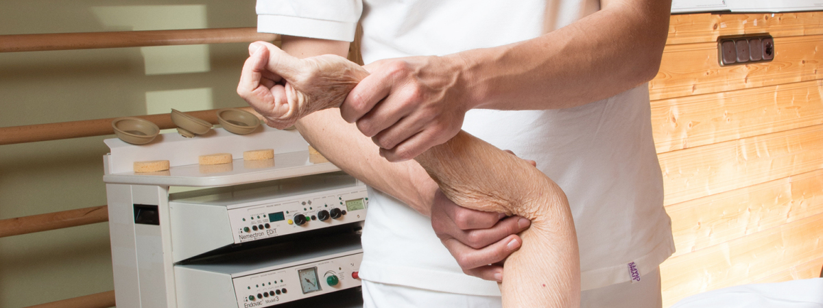 Physiotherapie zur Mobilisation des Ellenbogens Höhenkirchen Siegertsbrunn Hohenbrunn Ottobrunn Egmating
